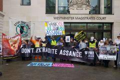 A-Londres-en-soutien-à-Julian-ASSANGE-Diapo-11